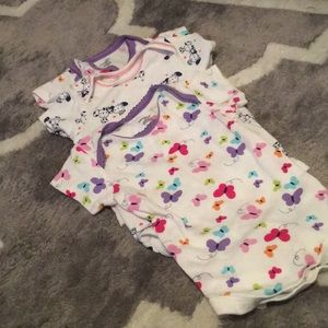 Set of 3 onesies size 12 months